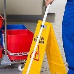 mycie podłogi 1